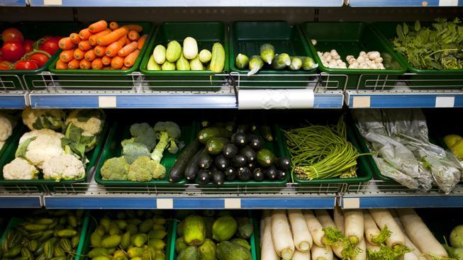 Ilustrační foto: Supermarkety budou muset potraviny, které neprodají dát např. na charitu
