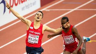 Jakub Holuša vítězí v halovém MS v Praze