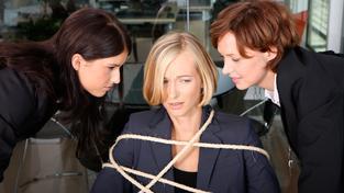Ilustrační snímek: Mnoho zaměstnanců šikanu na pracovišti neohlásí, protože se bojí o místo