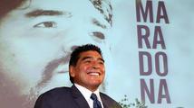 Maradona nebo Zico: Kdo nahradí Blattera?