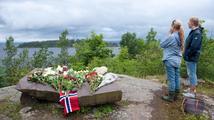 Na 'ostrov smrti' se vrací dětský tábor. Čtyři roky po útoku Breivika