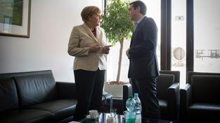 Německá kancléřka Angela Merkelová a řecký premiér Alexis Tsipras dohadují další postup