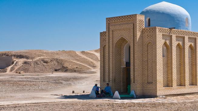Historická mešita ve městě Kunja-Urgenč