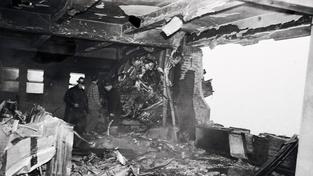 Bombardér narazil do 79. patra, náraz způsobil díru 10 x 10 metrů