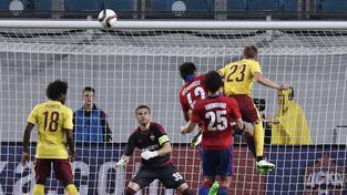 Ladislav Krejčí vyrovnává hlavou na 2:2
