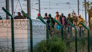 Do Eurotunelu se za poslední dvě noci polusily dostat tři tisíce uprchlíků usilujících o azyl v Británii