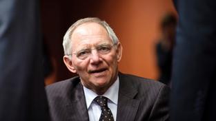 Německý ministr financí Wolfgang Schäuble se tvrdě pustil do kritiky Evropské komise