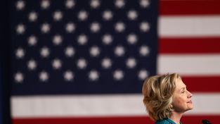 Clintonová chce voliče oslovit rodinnými spoty