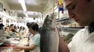 Náladu dokážou zvednout i mořské ryby bohaté na esenciální mastné kyseliny (ilustrační snímek)
