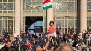 Uprchlíci protestující v Maďarsku za právo cestovat dál do Německa