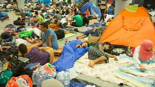 Uprchlíci na budapešťském nádraží Keleti. Ilustrační snímek