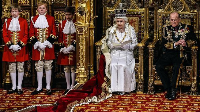 Královna Alžběta s princem Philipem