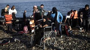 Uprchlíci na břehu řeckého Lesbosu