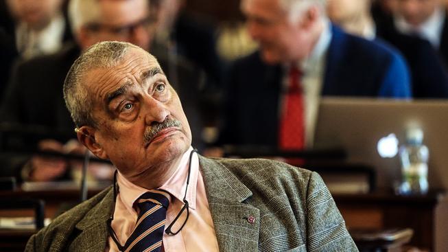Schwarzenberg si postěžoval, že ho čím dál víc trápí ztráta sluchu