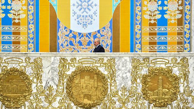 Věčný prezident Běloruska Alexandr Lukašenko se pomalu připravuje na své znovuzvolení