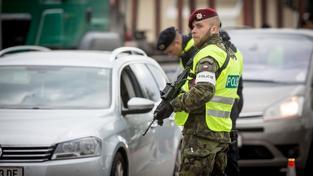 Policistí kontrolovali hranice s Rakouskem tak, jak si to nacvičili minulý týden