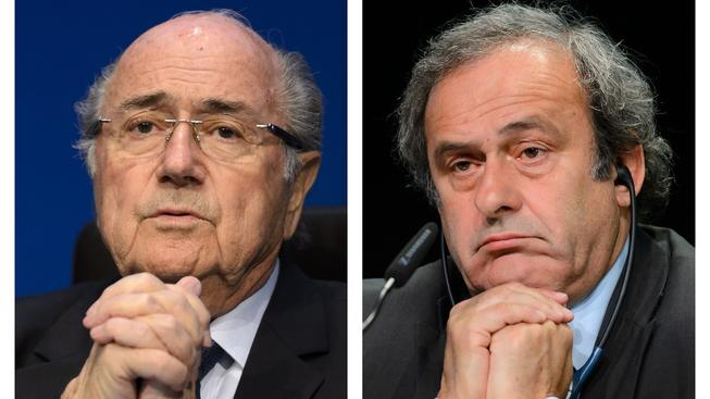 Suspendovaný předseda FIFA Sepp Blatter a šéf UEFA Michel Platini