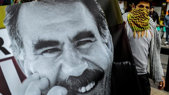 Zadržený Turek prý roznášel letáky kurdských povstalců. Na snímku je kurdský vůdce Ocalan