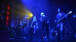 Všichni Svatí vyráží s kapelou No Name na společné turné