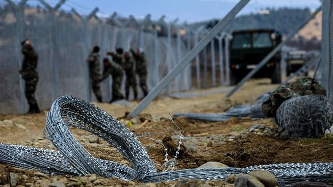 Makedonie začala na svých hranicích stavět další plot