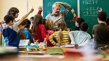 Lepší platy učitelů? Ministryně školství chce 13 miliard navíc