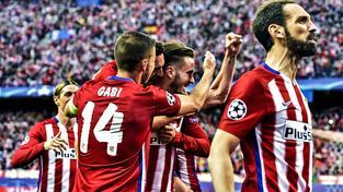 Fotbalisté Atlética Madrid slaví vítězství v prvním semifinálovém utkání