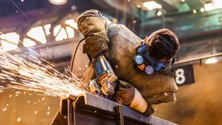 České firmy mají největší zájem o kvalifikované pracovníky z technických oborů. Ilustrační snímek