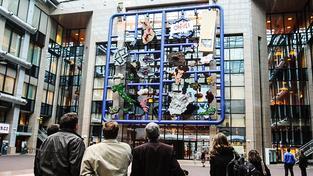 Výtvarník David Černý měl vizionářskou myšlenku, když ve své Entropě úmyslně vynechal Velkou Británii. Po referendu dostává její prázdné místo vlevo nahoře nový rozměr