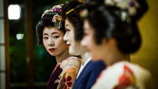 Japonky sice stále ještě umí nosit kimono, ale na podpatcích chodit neumějí