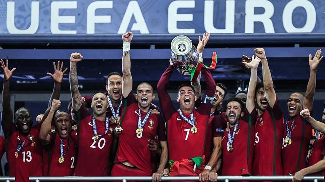 Portugalci slaví historický fotbalový úspěch své země