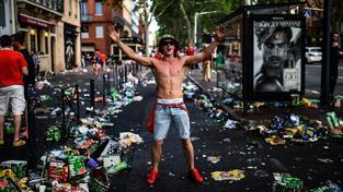 Takhle vypadalo Toulouse po nájezdu velšských fanoušků