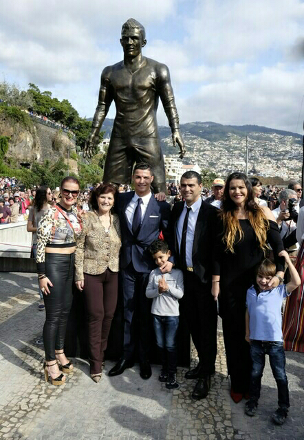 Ronaldo, socha, Madeira