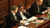 Utrum pro žvanící poslance nebo konec demokracie v Česku?
