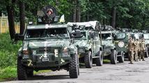Ukrajinská armáda je kvůli Krymu v pohotovosti, Porošenko chce mluvit s Putinem