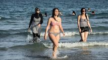 Boj o burkiny aneb Když záchrana 'zotročených žen' nedopadá podle představ