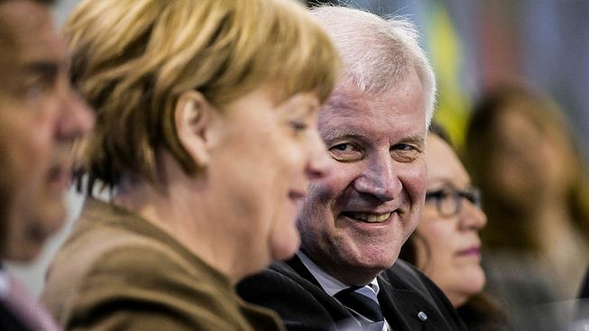 Dlouholetá spolupráce Merkelové a Seehofera je kvůli migrační krizi v ohrožení