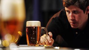 Ministr financí Andrej Babiš prosadil EET i nižší daň z piva. Ilustrační snímek