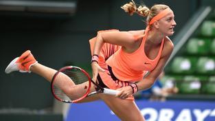 Petra Kvitová snadno postoupila do osmifinále turnaje v čínském Wu-chanu, když své soupeřce povolila uhrát pouhé čtyři hry