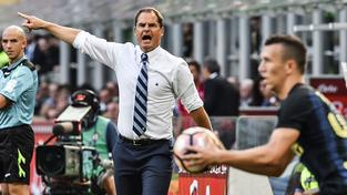 Trenér Interu Milán Frank de Boer přijel do Prahy s jediným cílem. Získat na Letné tři body