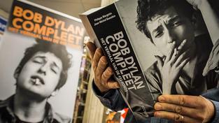 Nobelova cena pro Boba Dylana se zapíše do literárních dějin