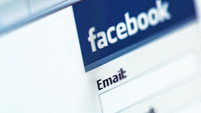 Každý dobrý personální manažer využívá u své práce sociální sítě. Ptáte se jak? Jednoduše. Uchazeče o zaměstnání si přes sociální síť pořádně proklepne a hned má jasno, s kým má tu čest. Foto:Facebook, TEXT:MED