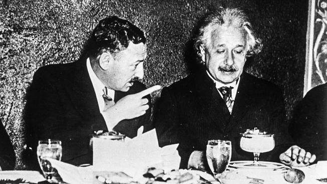 Na čem si asi tak pochutnával Einstein? Slavní mají leckdy zvláštní chutě, ostatní jako všichni