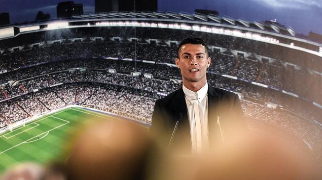Většina fotbalistů má do očekávaného luxusu a bohatství Cristiana Ronalda hodně daleko