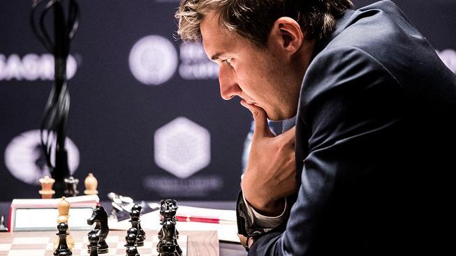 Tenhle mladý muž může za šachové šílenství v Rusku