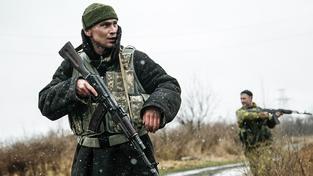 Ozbrojenci ve vesnici Zajcevo. Ilustrační snímek