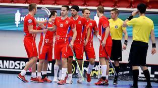 Čeští florbalisté slaví vítězství nad Norskem