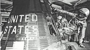 John Glenn byl prvním Američanem, který obletěl Zemi