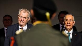 Český prezident Miloš Zeman se svým portugalským kolegou Marcelo Rebelo de Sousou