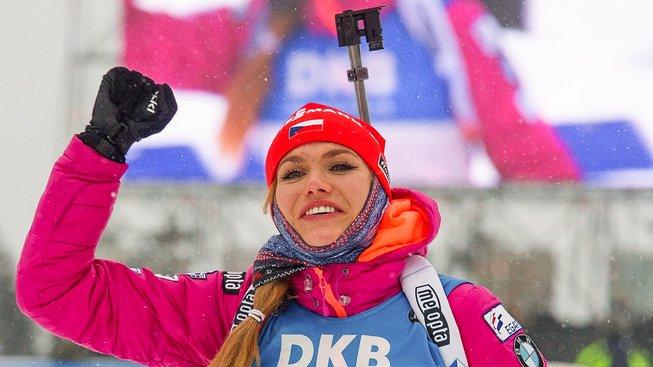 Gabriela Koukalová vyhrála v Oberhofu dva závody a je v čele celkového pořadí SP
