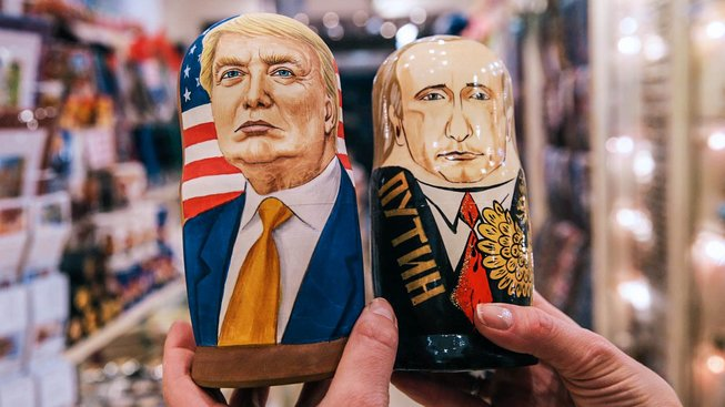 Zveřejněný spis tvrdí, že Rusko sbíralo na Donalda Trumpa kompromitující materiál